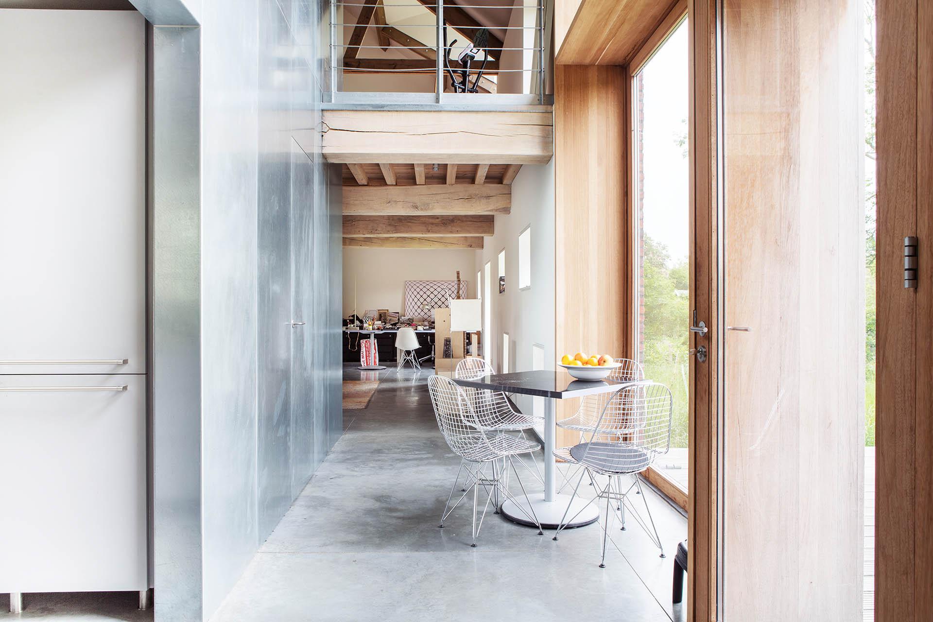 uitzicht woonhuis bouwen huis nieuw hout beton boerderij staal modern