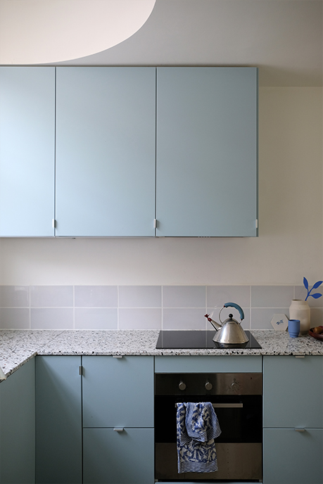 keuken blauw verbouwing delft licht woonhuis huis verbouwen daklicht daglicht vierkant rond vintage industrieel groen duurzaam